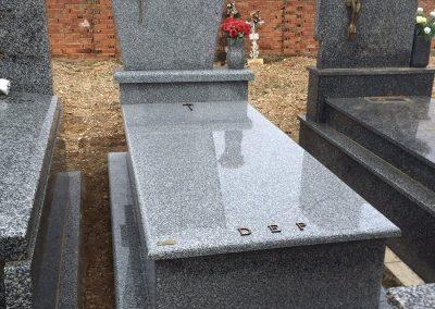tumba-irelia-granito02